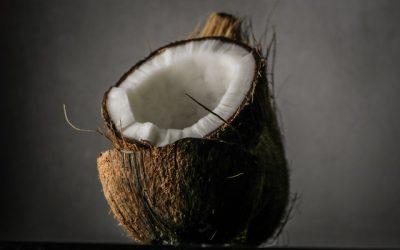 Je kokosový olej superpotravina, alebo sú jeho zdravotné účinky len mýtus?
